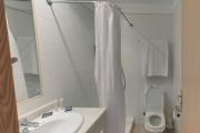 Inturotel Esmeralda Park (Appartement S-204, erstes Badezimmer)