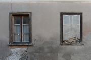 Fenster neben Scheinfenster (Ardez)