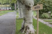 """06 URTEIL (Ausstellung """"ZEIT LOS LASSEN"""", Schosshaldenfriedhof, Bern/Ostermundigen 2019)"""