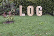 "26 LOG OUT (Ausstellung ""ZEIT LOS LASSEN"", Schosshaldenfriedhof, Bern/Ostermundigen 2019)"