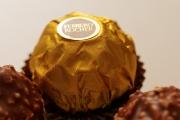 Ferrero Rocher-Kugeln als Hackfleischbällchen